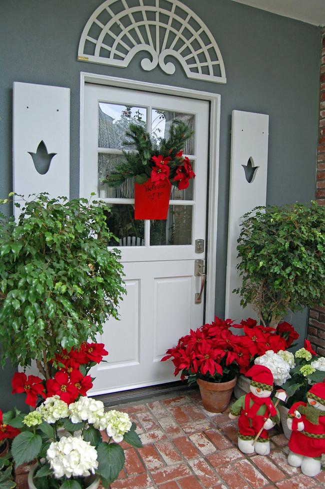 Christmas Decoration on Frontdoor