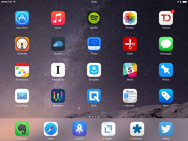 Open Photos app on iPad on your home screen