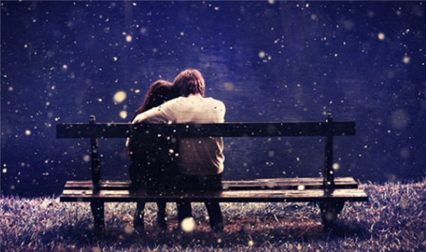 best-10-romantic-valentine-day-photos-winter-bench-love-with-snowfall-4