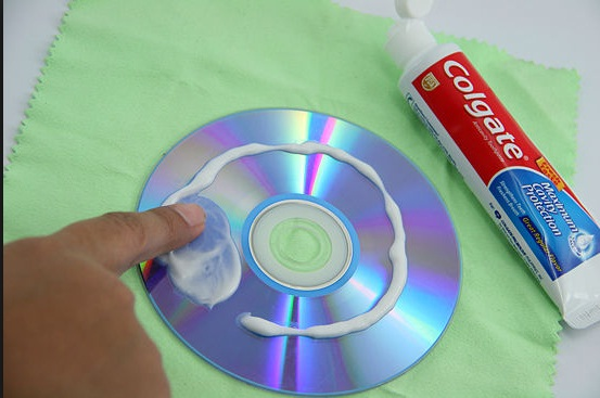 Use Toothpaste to repair scratches on DVD