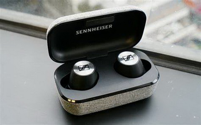 Sennheiser-MOMENTUM-True-Wireless-2-6