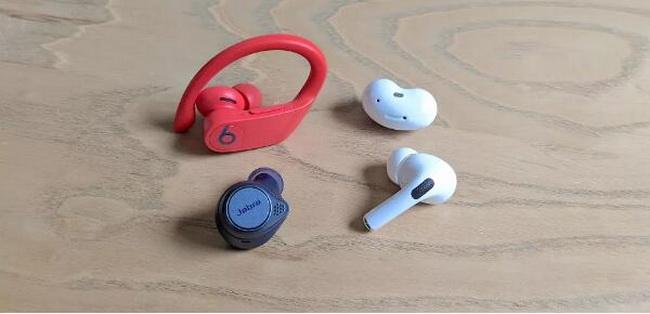 wireless-earbuds-1
