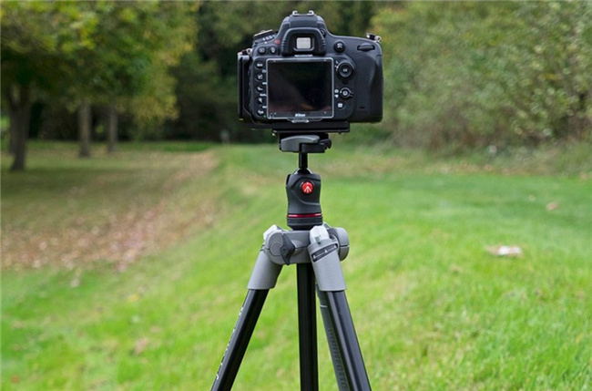 2-things-you-need-to-know-before-taking-slow-shutter-speed-photos-tripod-3