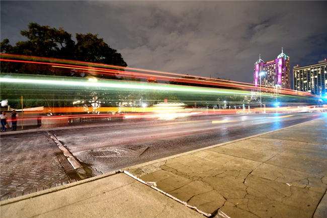 5-creative-ideas-on-how-to-take-slow-shutter-speed-photography-light-trail-6