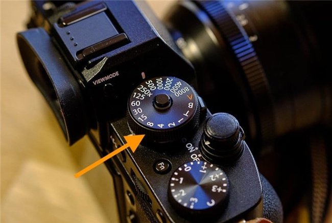 how-to-find-and-set-slow-shutter-speed-on-camera-2