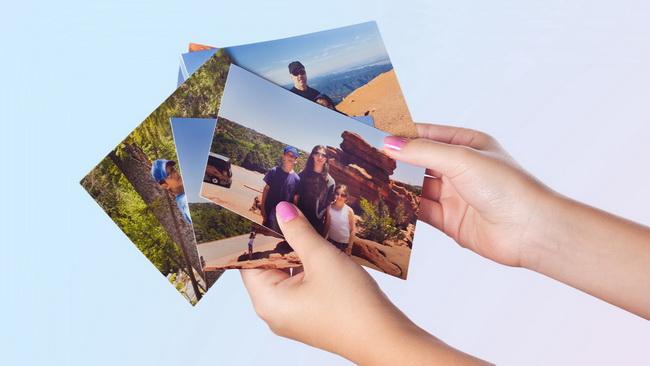 choose-favorite-photos-to-make-a-photo-wall